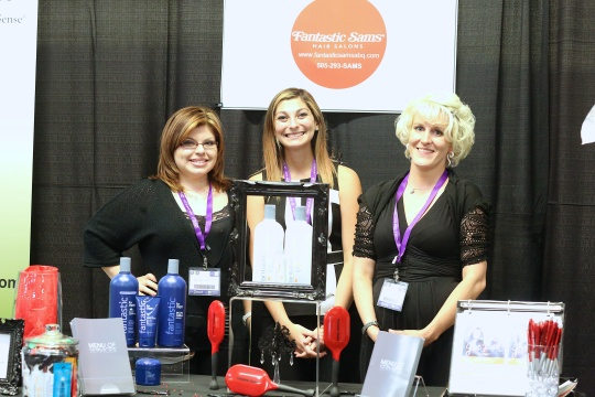image-b2b-expo-Booth-Staffing-12-10-15