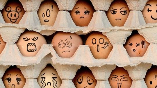image-egg-emojis-Booth-Staffing-12-10-15