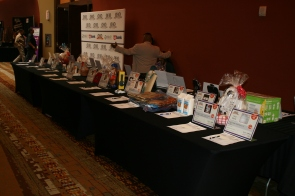 Silent-Auction-table-2