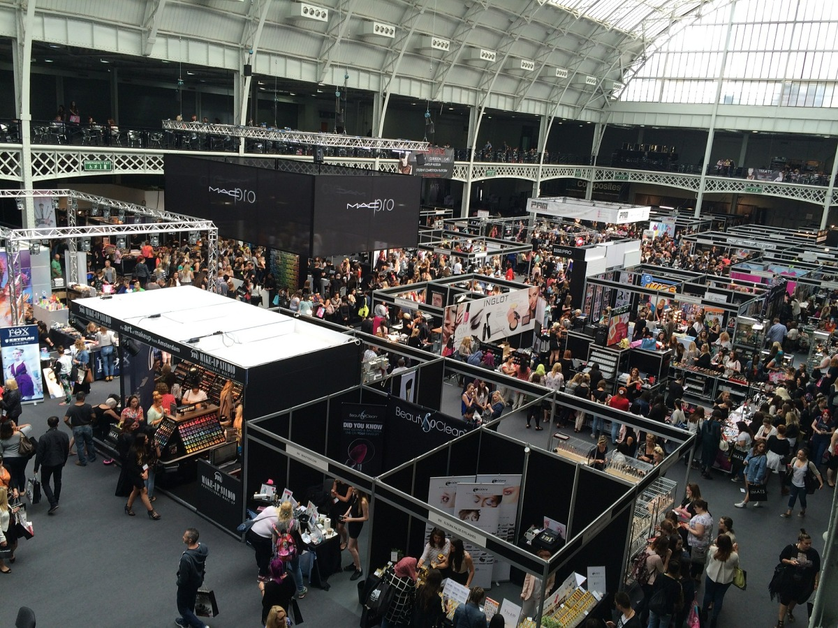 12 Top Skills for Effective Trade Show Staff